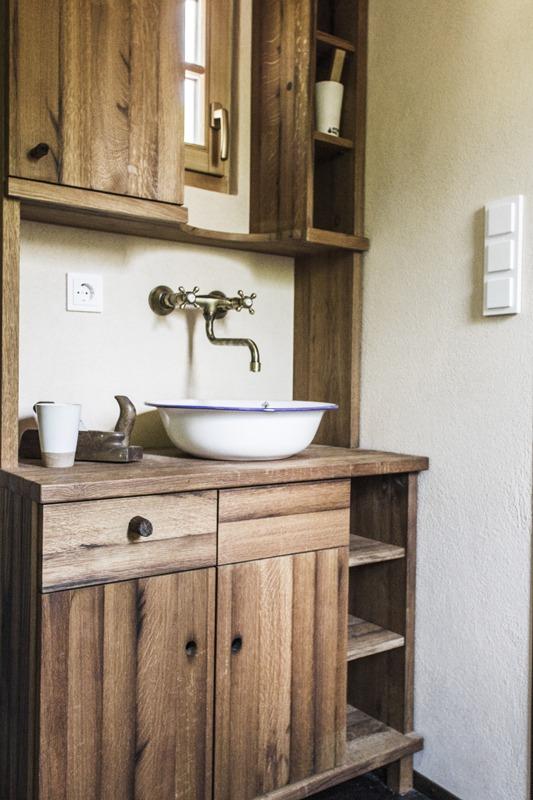 alpenm bel design trifft geschichte alpenemaille waschbecken. Black Bedroom Furniture Sets. Home Design Ideas